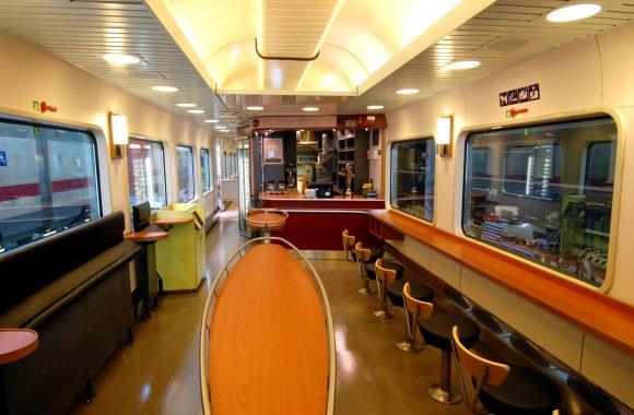 До потягів Львівського метро буде додано вагони-ресторани