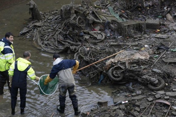 Очищення русла річки Полтва